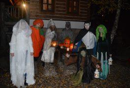 Páteční halloweenská prohlídka Pohádkové vesničky